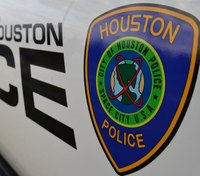 Houston cop fatally shoots armed assault suspect on bus
