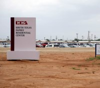 New deal keeps open Texas immigration detainment center