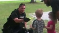 Ind. SWAT cop connects with kids after nearby standoff