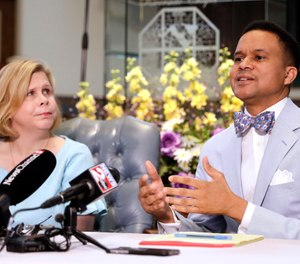 Pastor Furman Fordham, right, speaks on behalf of death row inmate Don Johnson, in Nashville, Tenn.  (AP Photo/Mark Humphrey, File)