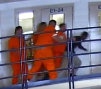 Video: NM corrections officer fights off inmates attacking him