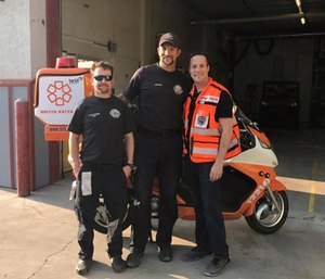 Gavy Friedson was speaking to the Jackson Hole ambulance department when the team received a call about a 10-year-old boy who suffered spontaneous seizures on a plane flying over the area. (Photo/United Hatzalah)