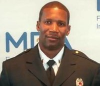 Ala. fire Lt. still clinging to life after ladder fall