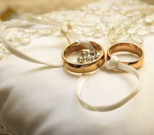 A firefighter and an EMT tied the knot at the Evansdale Community Response Center. (Photo/ Pixabay)