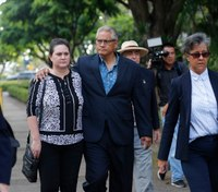 Ex-Hawaii police chief, wife to admit more crime, avoid jury trial