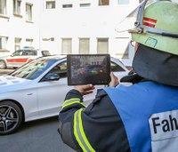 New Mercedes-Benz app gives first responders 3-D view of cars
