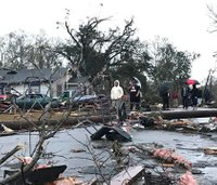 4 dead after tornado rips through south Miss.