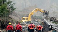 1 year later: Scars of Wash. mudslide remain fresh