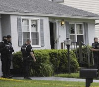 2 Ohio officers injured in shooting