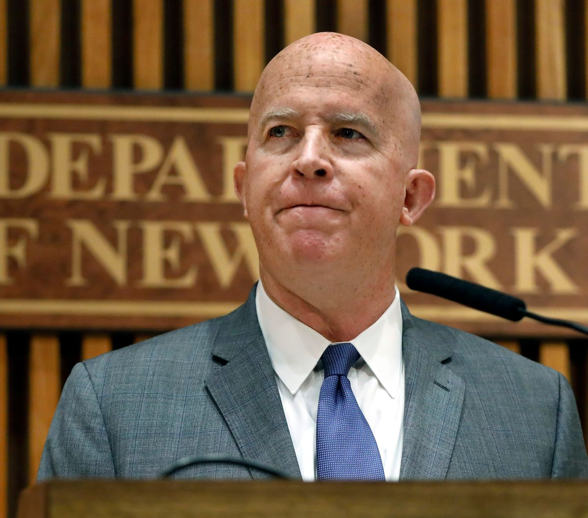 New York City police commissioner to step down