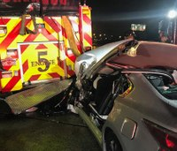 4 Fla. firefighters hurt after vehicle slams into fire truck on call