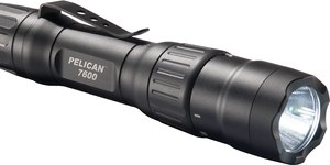The 7600 body design affords a non-slip grip that makes it easy to keep this flashlight in hand during a foot pursuit or if an officer is suddenly engaged in close-quarters combat.
