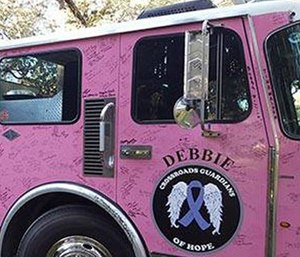 Debbie the pink fire truck (Photo/Facebook)