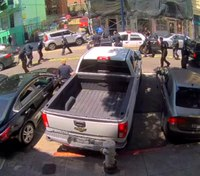 Fleeing SUV hits 2 pedestrians, 5 others in San Francisco pursuit