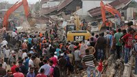Frantic rescue underway after Indonesia quake kills nearly 100