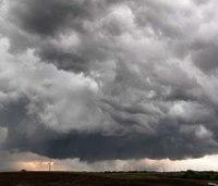 2 killed, at least 10 hurt as tornadoes strike Plains