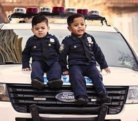 'NYPD lieutenant' twins, 5, travel nationwide to recognize police officers