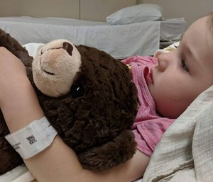 An emergency room nurse's organization brings happiness to kids in the ER through stuffed animals. (Photo/Rosie's Hugs)