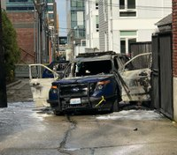 Seattle Police: Man set patrol car on fire with cop inside