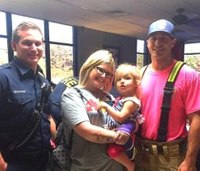Mom thanks firefighters for singing to autistic daughter after crash