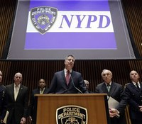 How can de Blasio heal the rift with the NYPD?
