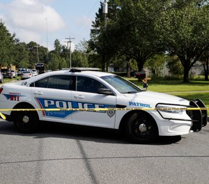 Tallahassee police investigate the scene of multiple stabbings, Wednesday, Sept. 11, 2019 in Tallahassee, Fla. (Tori Schneider/Tallahassee Democrat via AP)