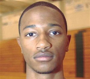 Elton Simpson head shot from preseason media shoot of the 2002-03 Yavapai College basketball team in Prescott, Ariz. (AP Image)