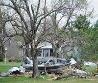 2 dead, at least 10 missing as tornados hit Texas, Ark.