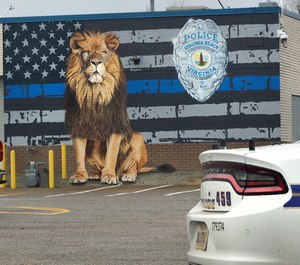 Capt. Shannon Wichtendahl commissioned a new mural dedicated to Virginia Beach police officers. (Photo/TNS)