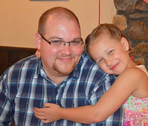 Michael Weden and his daughter. (Photo/GoFundMe)