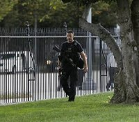 Accused White House intruder armed in previous arrest