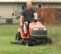 Video: Deputies mow lawn for elderly Marine vet in need