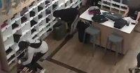 Police: Gang of women steal $10K worth of yoga pants