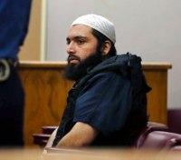 Prosecutors: NJ bomber tried to radicalize inmates