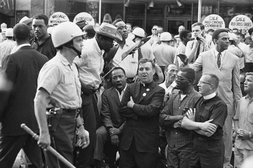 Dr. King in Chicago Lawn