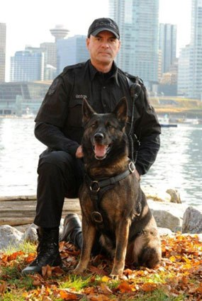 Derrick Gibson and Teak. (Photo courtesy Rich Horner, Police K-9 Magazine)