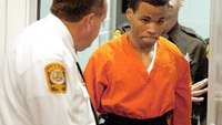 Federal judge tosses out life sentences for DC sniper