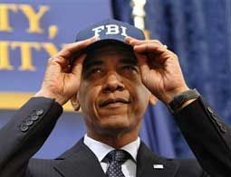 Obama visits FBI