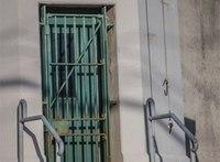 NY man posts photo of keys dangling near prison door to Facebook