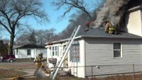 Flashover occurs during working house fire in Ind.