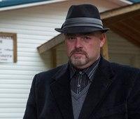 Snake-handling TV pastor refuses medical treatment, dies from bite