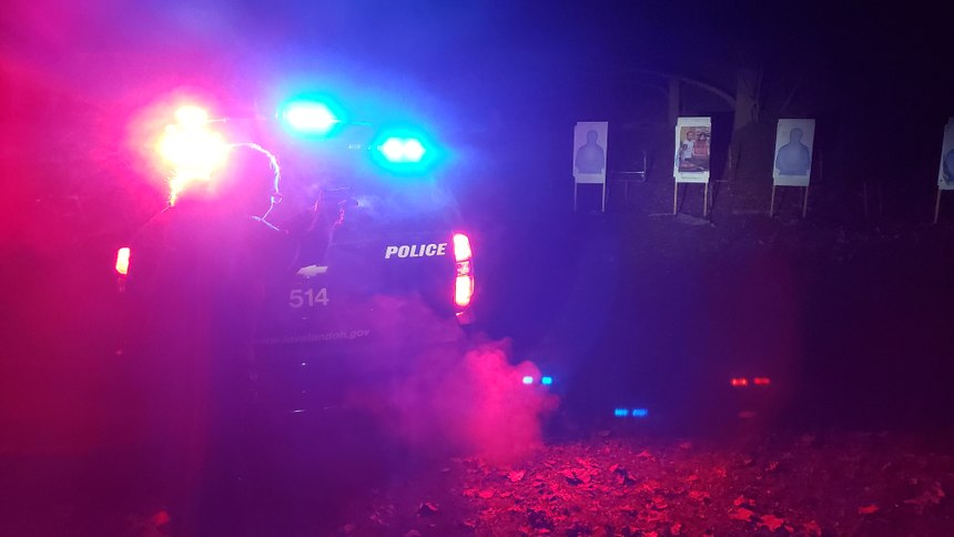 Officers learn to overcome emergency lights while shooting. (Photo/Michael Szpak)
