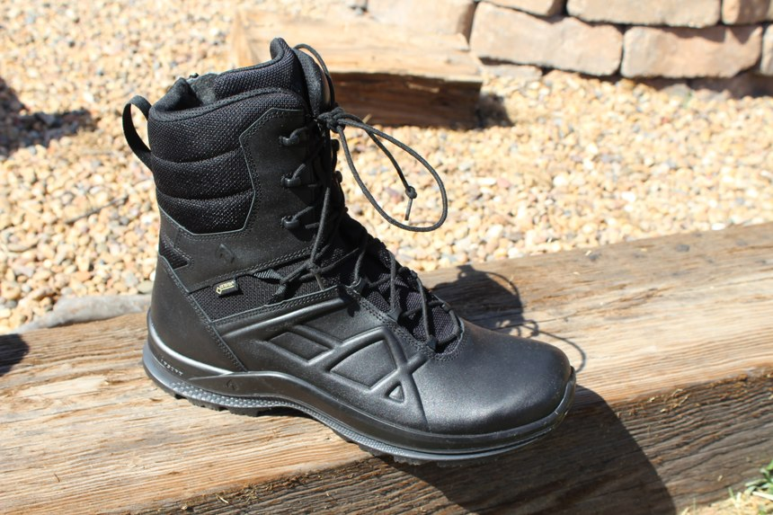 The HAIX Black Eagle Tactical 2.0 GTX High Side Boot has Sun Reflect Technology to minimize the effects of extreme heat.