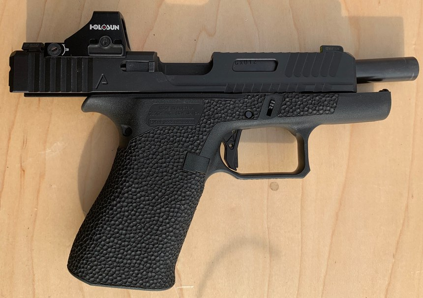 Holosun HS407K micro RDS on a Glock 43x with custom slide. (Photo/Ron LaPedis)