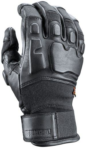 The Recon Glove has a pre-curved design, where the pattern is cut or molded around bent fingers.