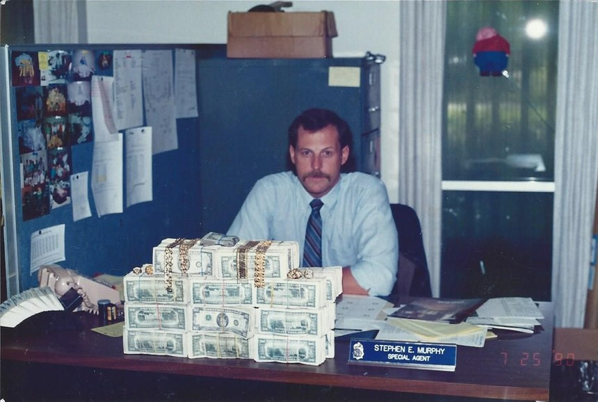 """Small cash and jewelry seizure from two """"smurf"""" money collectors, Miami, Florida, summer 1990.(Photo/Steve Murphy)"""