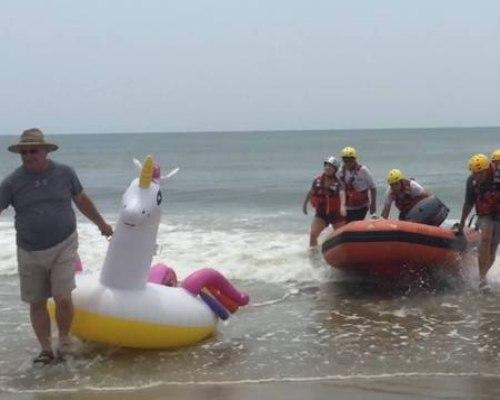 (Photo/ Oak Island Water Rescue Facebook)